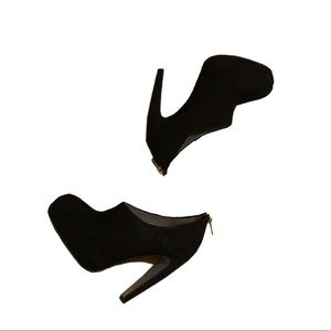 Kurt Geiger Black leather ankle booties 39